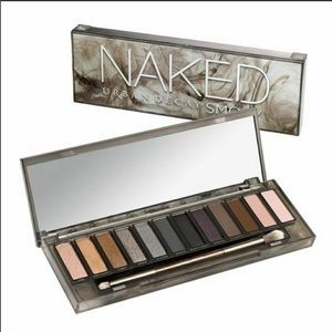 Urban Decay Smoky Naked Eyeshadow Palette ‼️✨ 💄